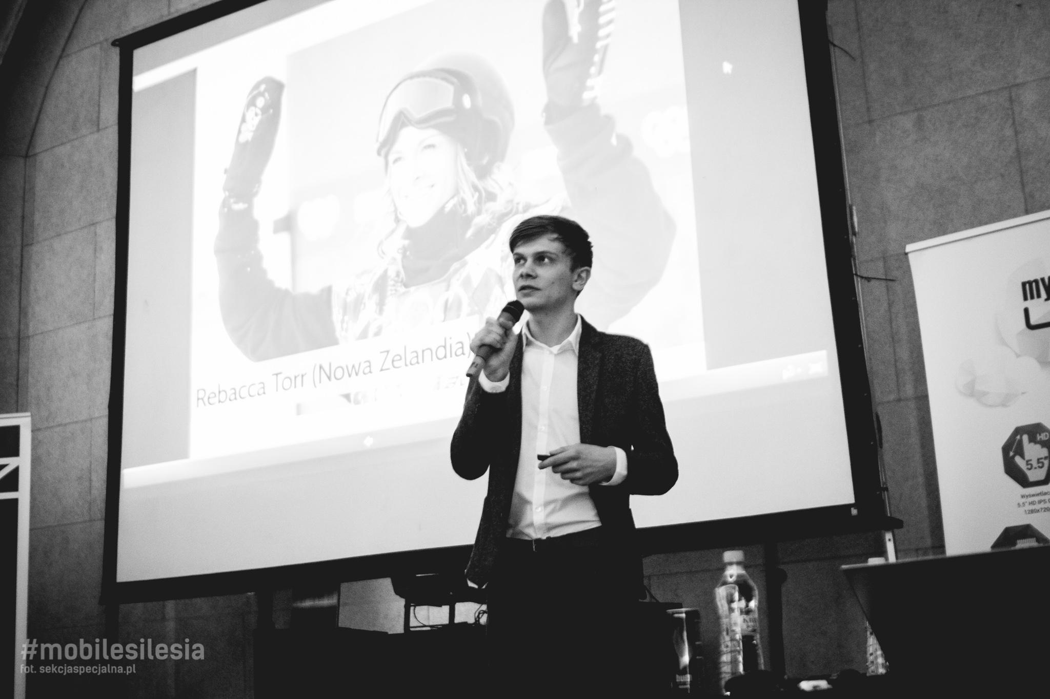 Jakub Biel podczas prelekcji na Mobile Silesia